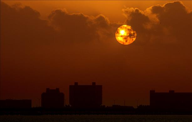 <a  href=&quot;http://share.valleycentral.com/media/3750968&quot;>Port Isabel Sunrise</a>