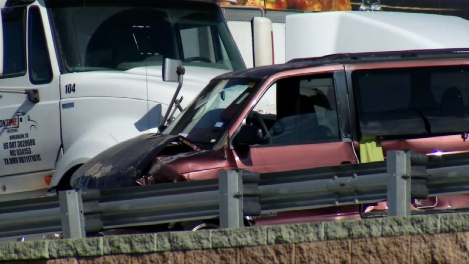 One was has died after a multi-vehicle crash on I-10 near Lomaland on Nov. 9, 2017. Credit: KFOX14 / CBS4