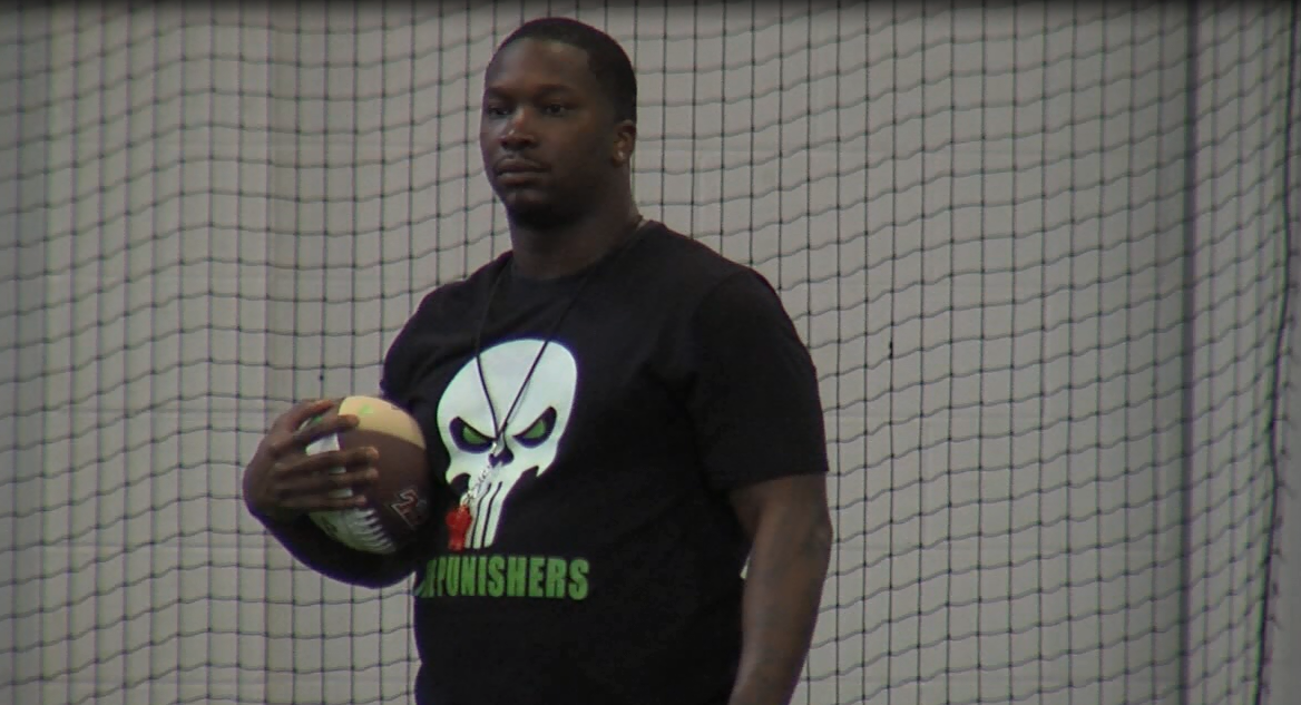 Pig Brown works with the Nebraska Danger defensive backs during a practice on May 16, 2017 (NTV News)