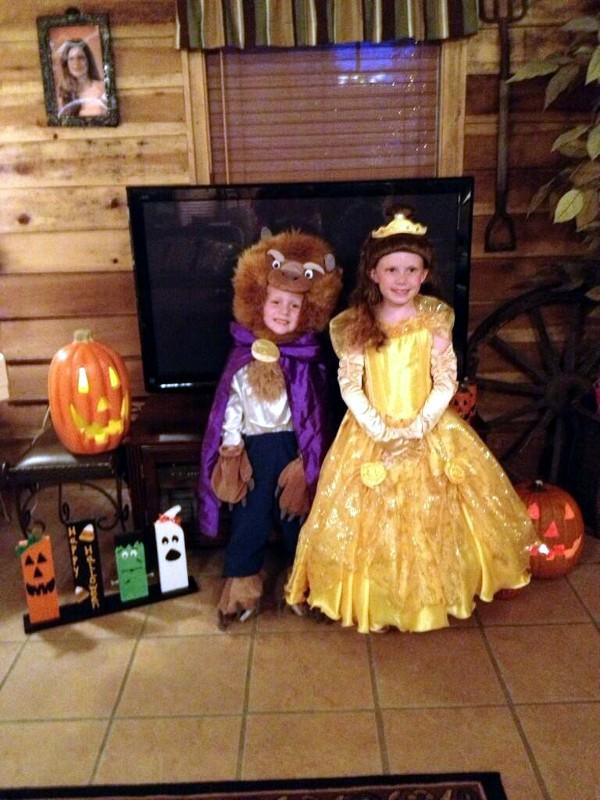 Morgan and Peyton Davis from Nauvoo,Al. Beauty and the beast!