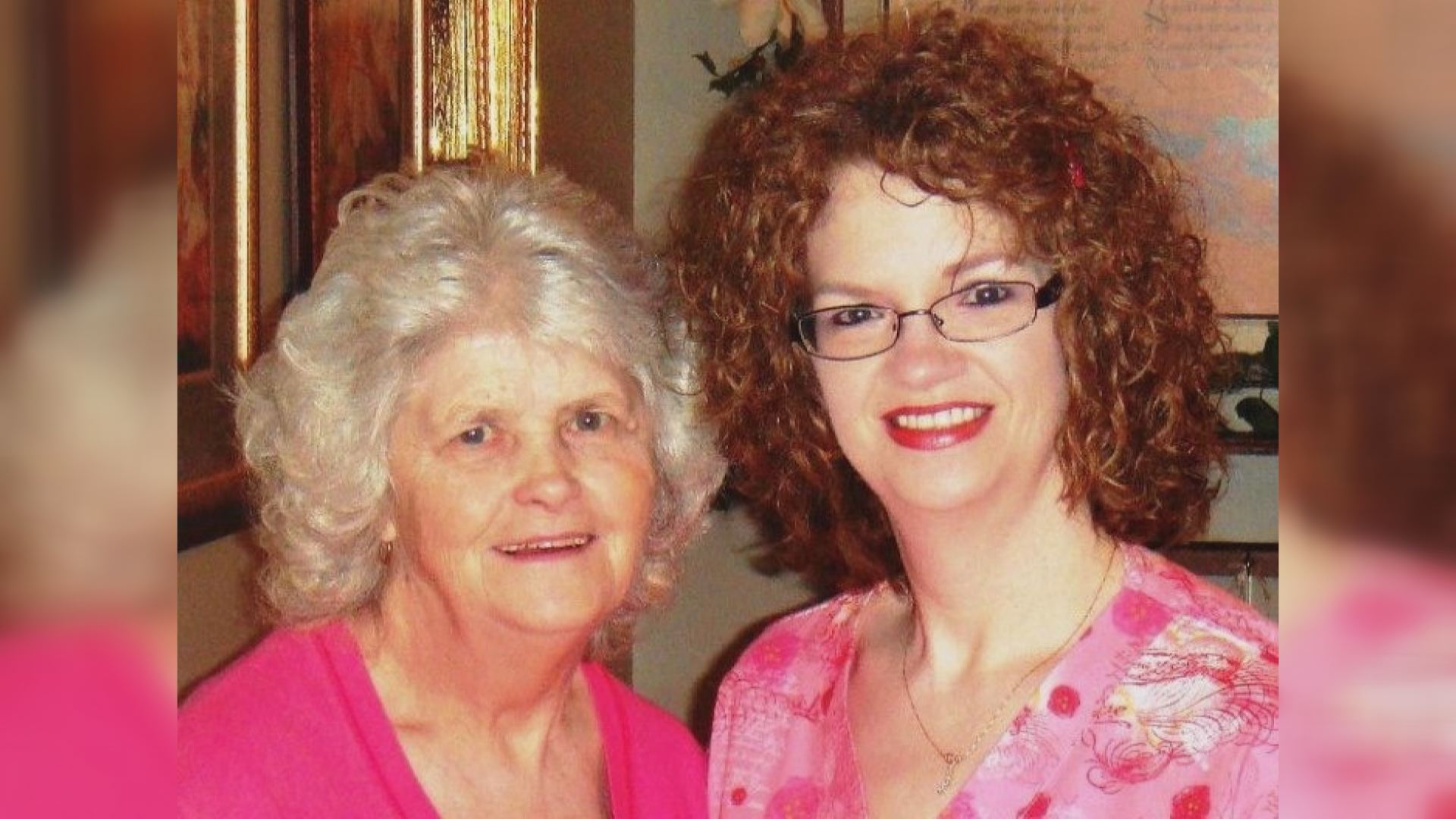 Sue Dobbins Delph (left) with her daughter Rebecaa Dobbins Bellamy (right). (Courtesy of Rebecca Bellamy/WCYB)