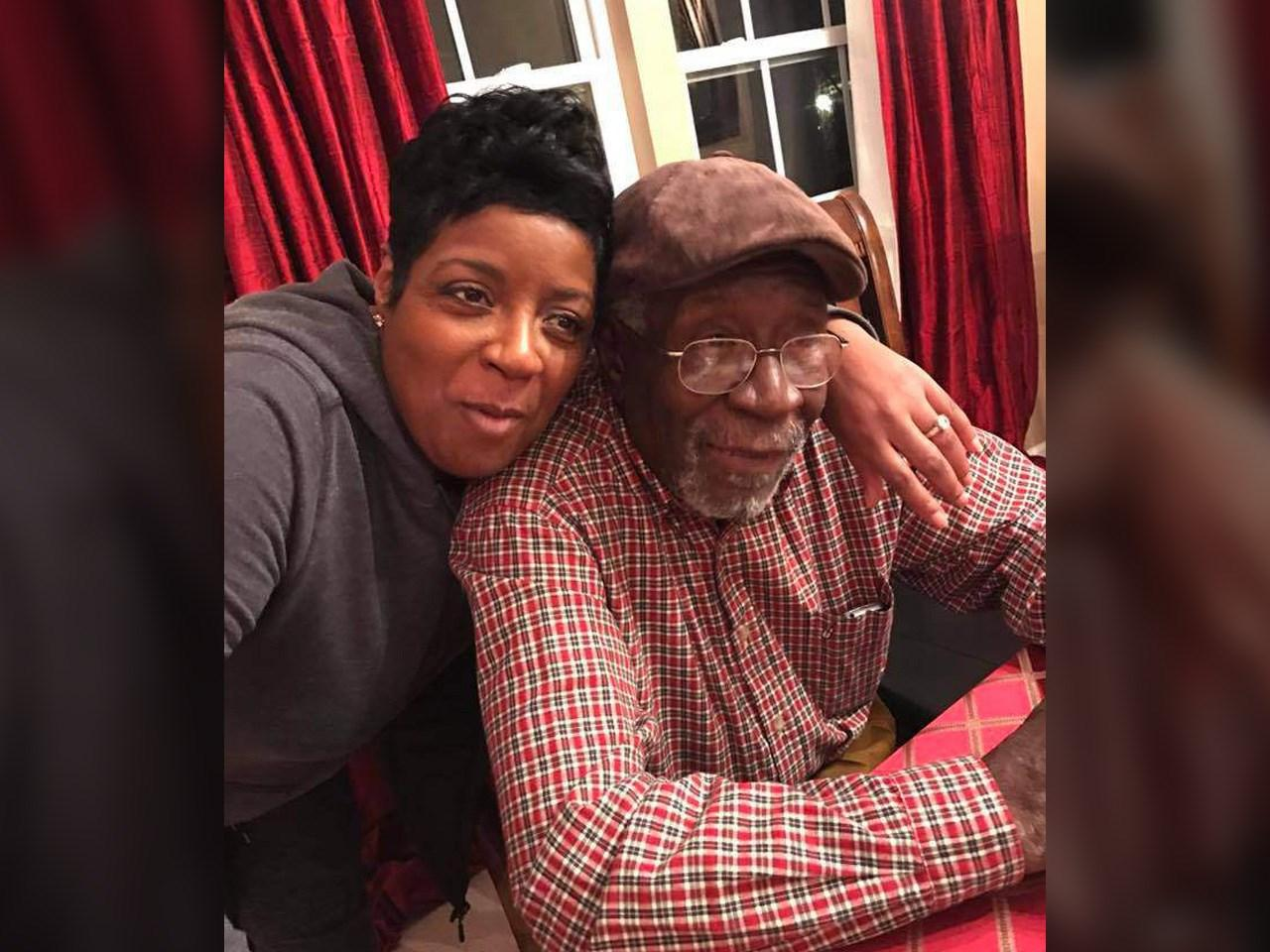 Robert Godwin Sr. with daughter Debbie. (Courtesy: Debbie Godwin/MGN)