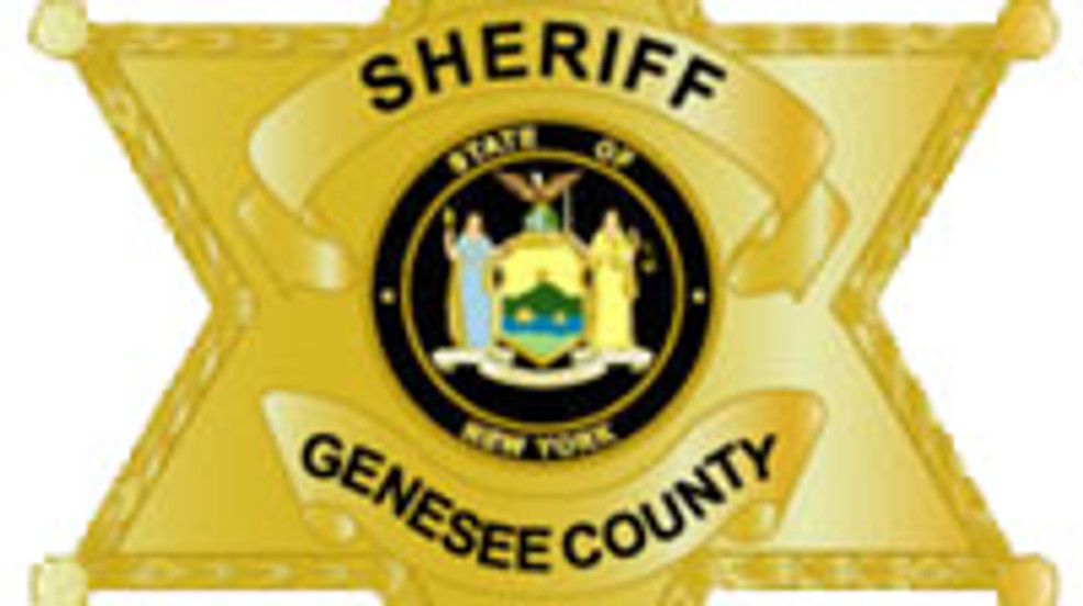 Man charged with DWI in sheriff's parking lot
