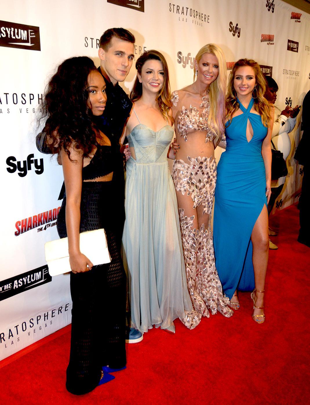 Sharknado Cast Memebers Imani Hakim Cody Linley Masiela Lusha Tara Reid And Ryan