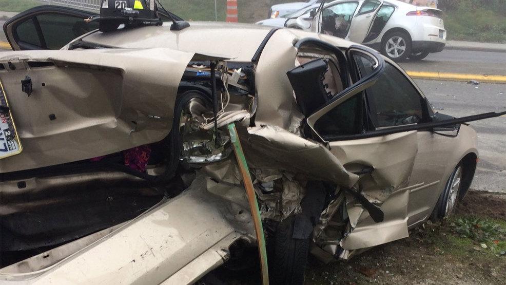 1 child, 3 adults injured in serious Lynnwood crash | KOMO