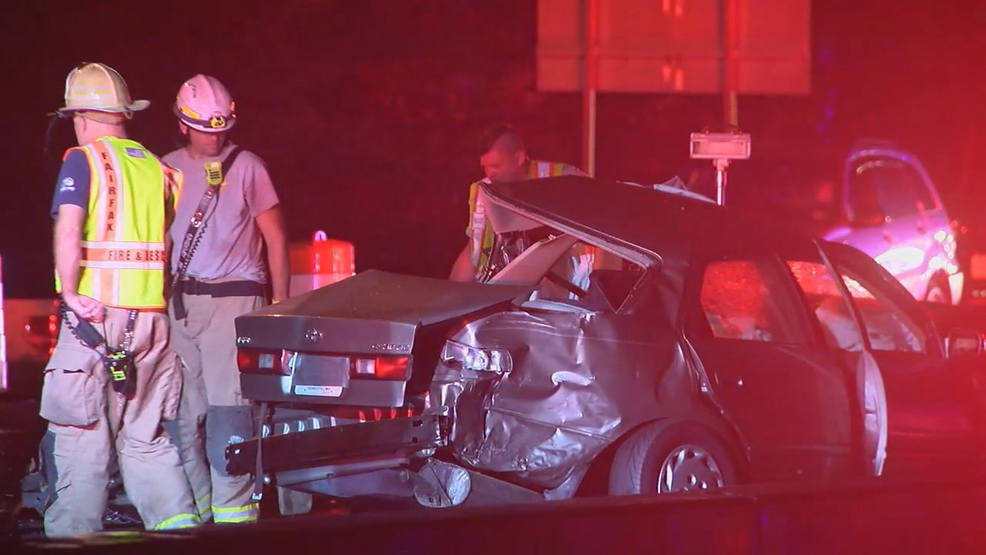 1 dead, 2 hospitalized in 4-car crash on I-66 in Fairfax County
