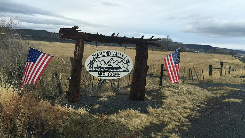 Militia presence remains at refuge; leader's lawyers to deliver message Thurs.