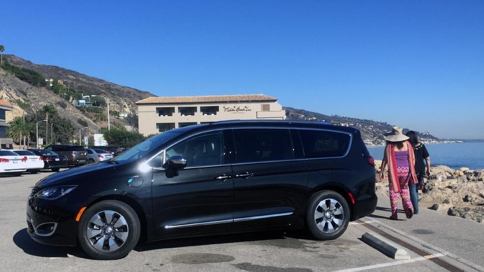 Cool 2017 Chrysler Pacifica Hybrid A Minivan Game Changer