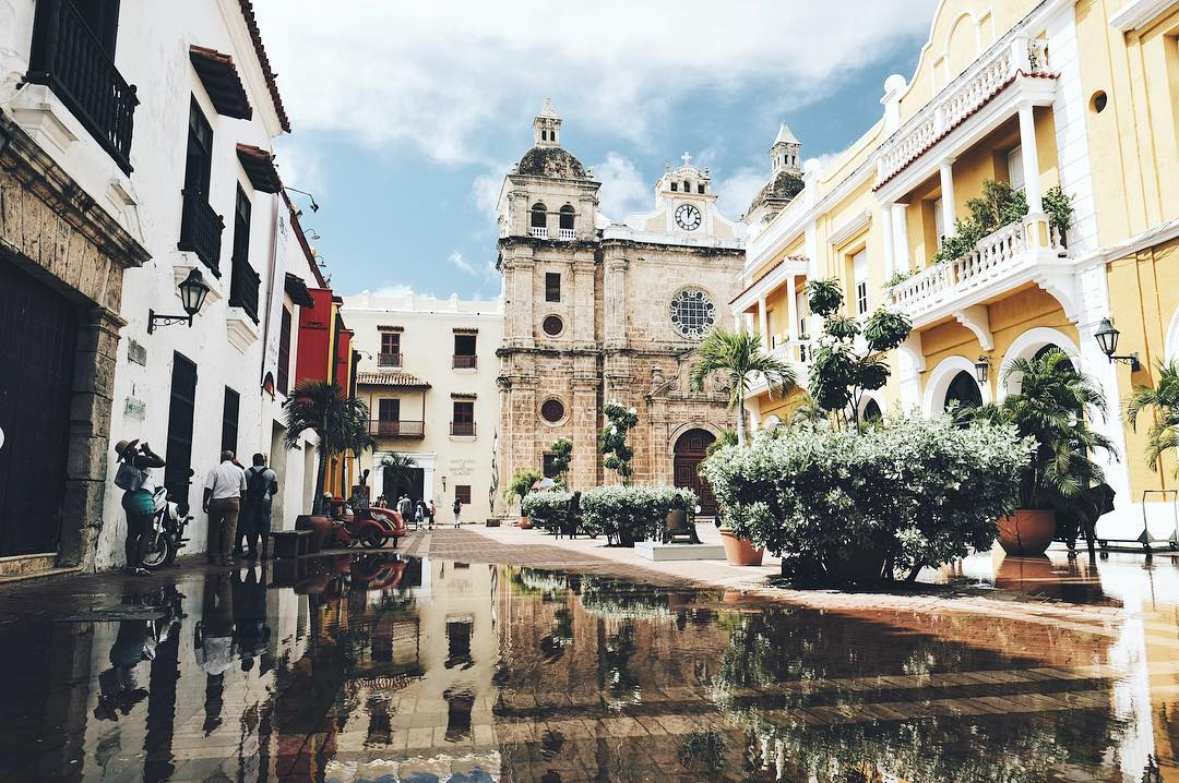 IMAGE: IG user @wezienwel_travel / POST: Brunch, lunch, apero, dinner and a whole day of strolling around the streets of Cartagena's old town. // PUBLISHED: 12.2.16