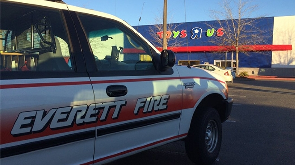 Everett Toys R Us Store Closed By Smoky Fire On Black Friday Komo