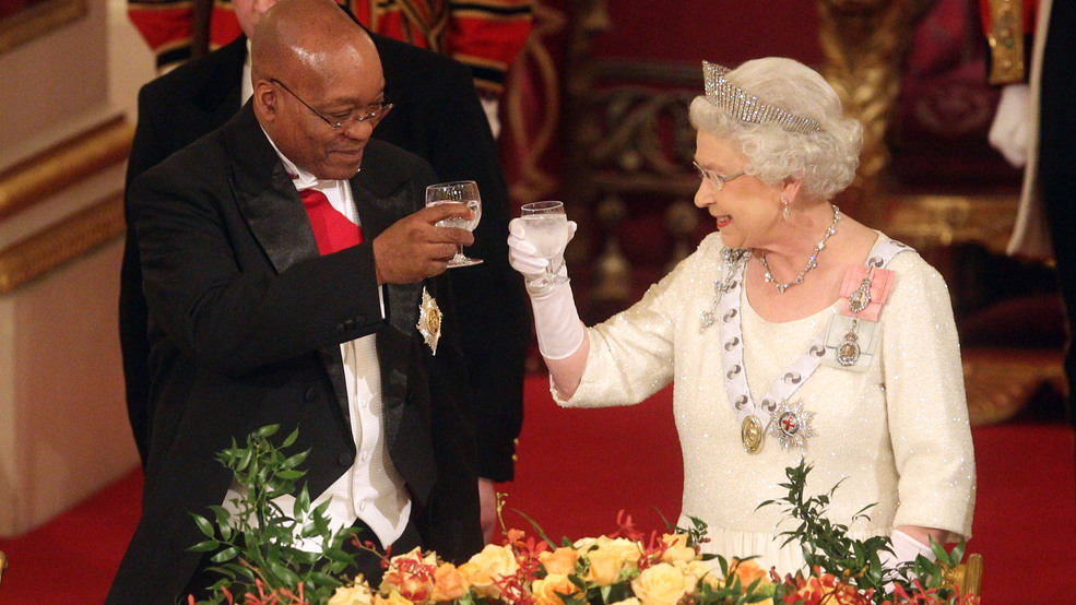 Queen Elizabeth II reportedly enjoys at least 4 drinks every day