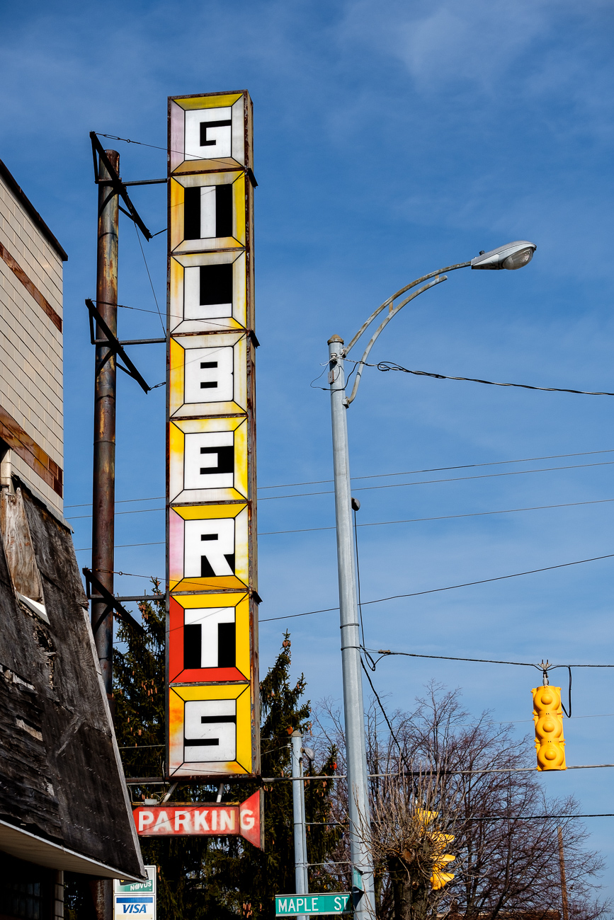 SIGN: Gilbert's Furniture & Appliance / ADDRESS: 6117 Vine St., Elmwood Place, Ohio 45216 // Image: Daniel Smyth // Published: 2.18.17