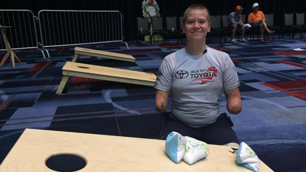 No excuses' for 19-year-old quadruple amputee competing at