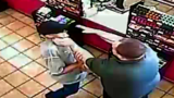 Surveillance video shows Good Samaritans try to stop robbery suspect
