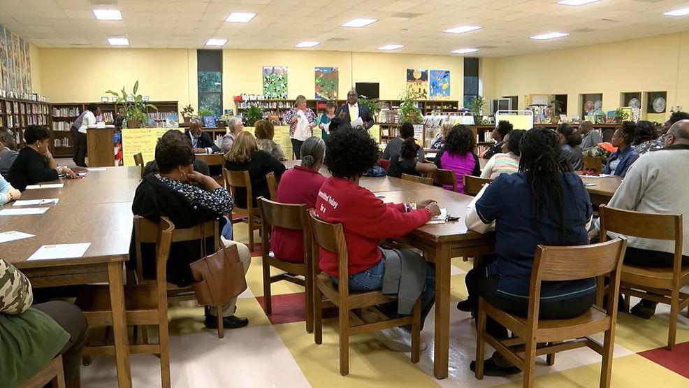 Marlboro County School District Hears Parents Concerns Over Mold