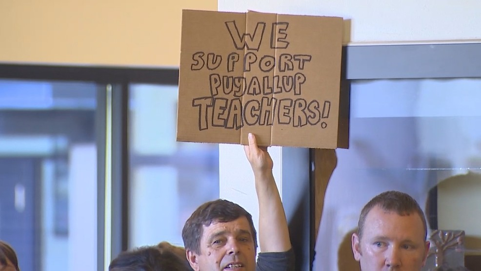 PUYALLUP teachers sign KOMO.jpg