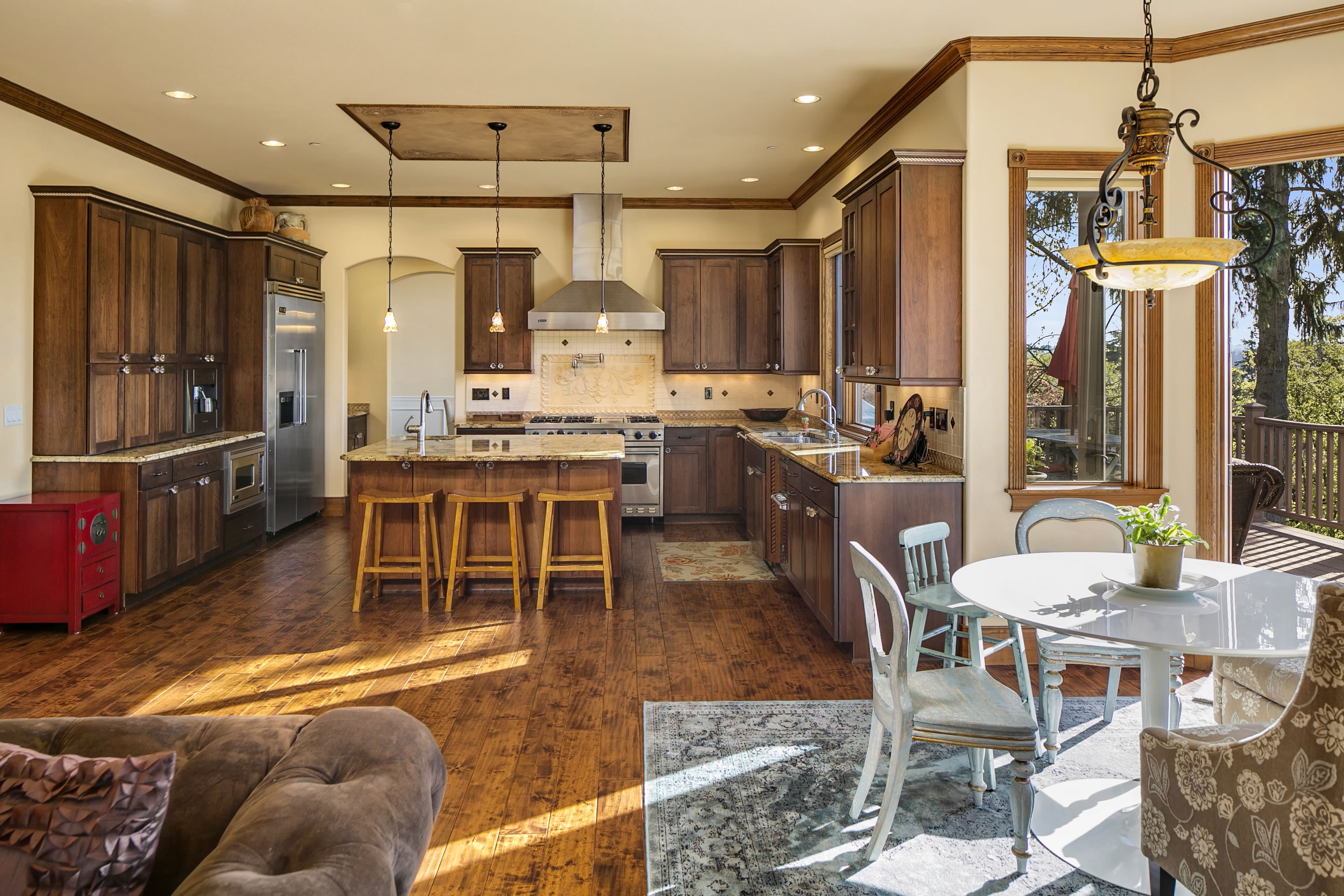 Would you take $4M in cash or this Mercer Island home