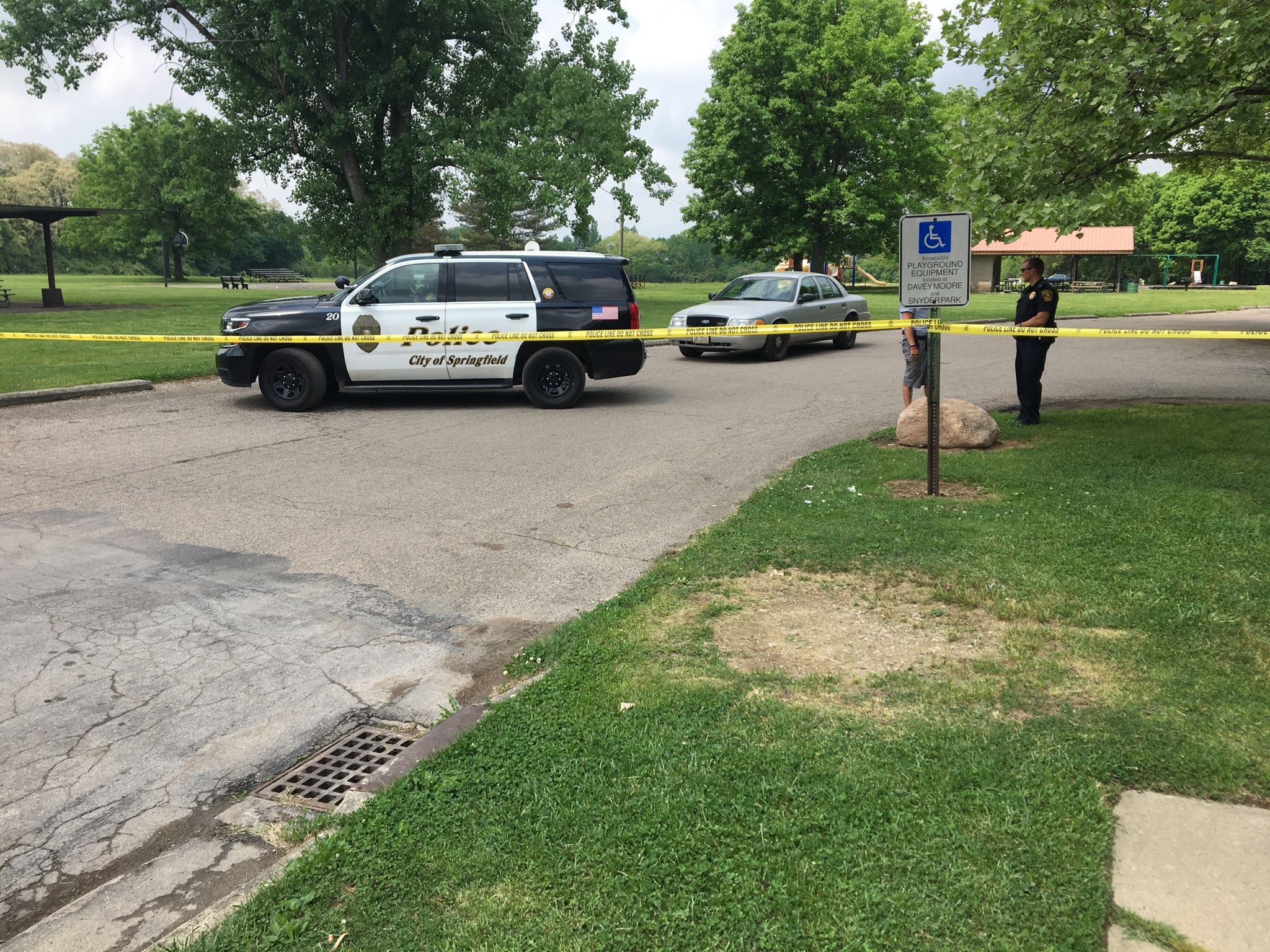 Body found by mowing crew removed from Springfield park (WKEF/WRGT){ }