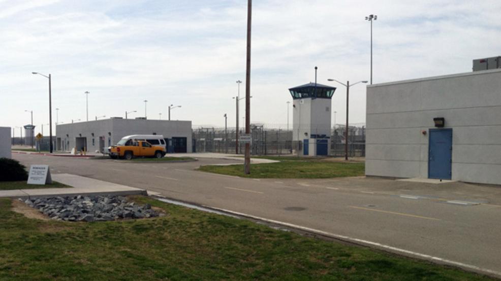 cdcr dozen inmates attack correctional officers at delano prison kbak
