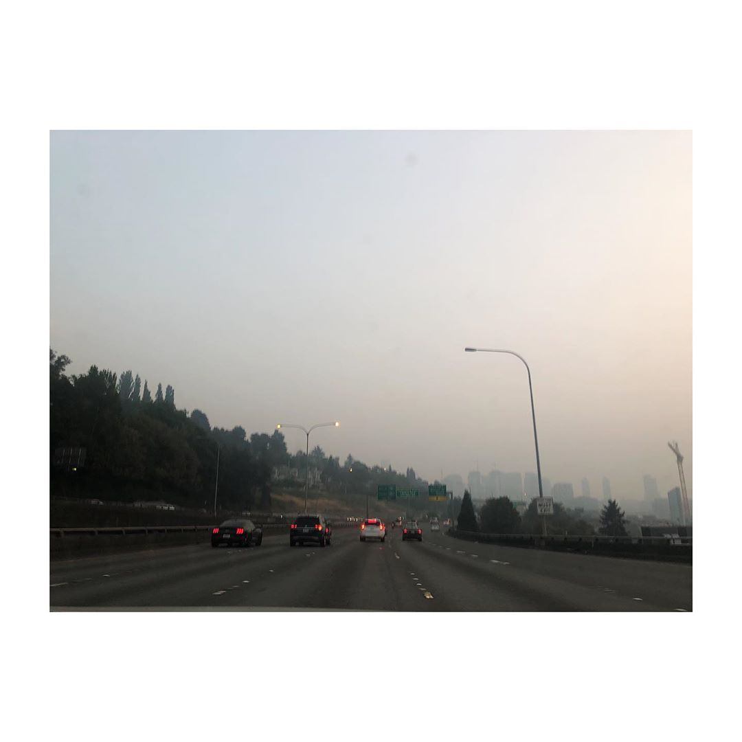 "Smoke descends on Seattle as air quality reaches hazardous levels for the second day in a row. Wildfire smoke from the historic fires in Oregon and California continues to stream back into Western Washington, with{&nbsp;}<a  href=""https://komonews.com/news/local/wildfire-smoke-at-very-unhealthy-levels-in-seattle-as-weekend-forecast-remains-grim"" target=""_blank"" title=""https://komonews.com/news/local/wildfire-smoke-at-very-unhealthy-levels-in-seattle-as-weekend-forecast-remains-grim"">reports showing</a>{&nbsp;}air quality will remain at or near hazardous levels Saturday and into Sunday, with hope for a little improvement toward the end of Sunday. All Seattle parks and beaches are shut down for the weekend, and officials are encouraging people to keep doors and windows closed and don't go out unless you absolutely have to. More updates can be found on{&nbsp;}<a  href=""https://komonews.com/news/local/wildfire-smoke-at-very-unhealthy-levels-in-seattle-as-weekend-forecast-remains-grim"" target=""_blank"" title=""https://komonews.com/news/local/wildfire-smoke-at-very-unhealthy-levels-in-seattle-as-weekend-forecast-remains-grim"">KOMO News</a>. (Image: Gezgin Koclar/{&nbsp;}<a  href=""https://www.instagram.com/gezginkoclar/"" target=""_blank"" title=""https://www.instagram.com/gezginkoclar/"">@gezginkoclar</a>)"