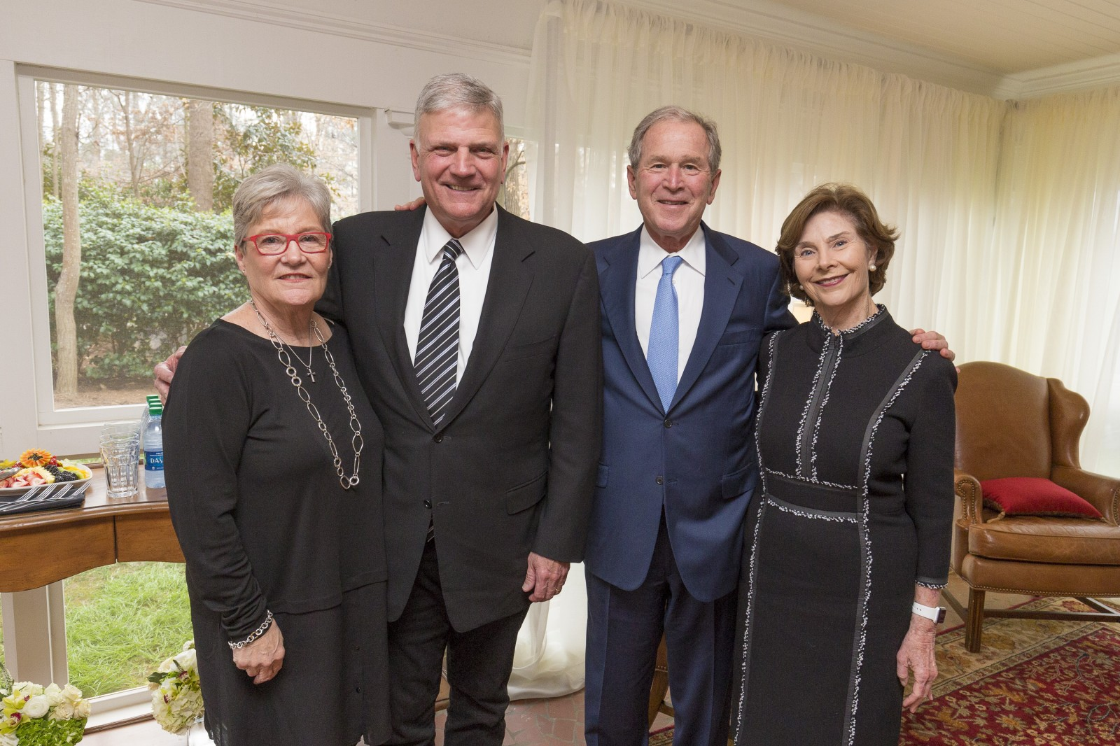 Former president George W. Bush and former first lady Laura Bush at the Billy Graham visitation. Photo: Billy Graham Evangelistic Association<p></p>