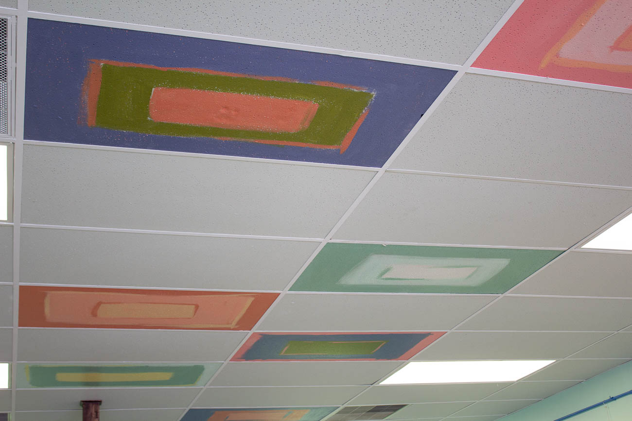 Villa Mocha was once a hair salon before it was completely renovated from top to bottom. Even the ceiling tiles got a touch-up from Alison, who added some color to them. She got the idea from Ms.Terri Schatzman—her Dixie Heights High School art teacher who had everyone in the class decorate a tile in the building. / Image: Katie Robinson, Cincinnati Refined // Published: 5.25.19