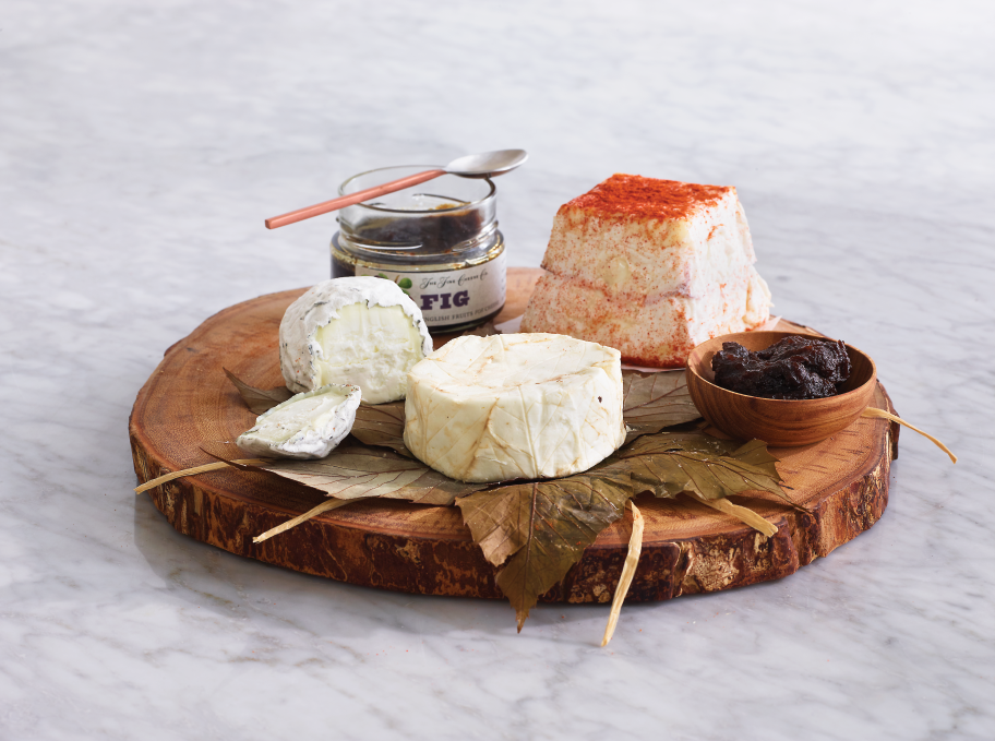 Monthly Cheese Club at Dean & Deluca: Hand-selected assortments of fine cheese or charcuterie make the perfect Father's Day gift. Each month, the lucky recipient will receive the very best of the season, plus a perfectly paired accompaniment. (Dean & Deluca// www.deandeluca.com/monthly-gourmet-food-clubs)