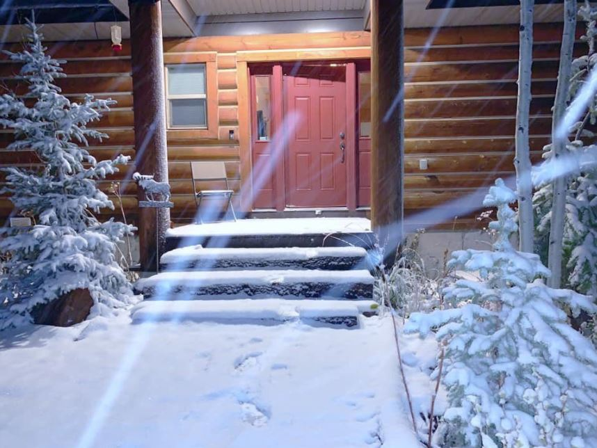 "Waking up to 3"" of snow just outside of Park City! ?? Wanship, UT (Photo:{ }Kaydn Laudie)"