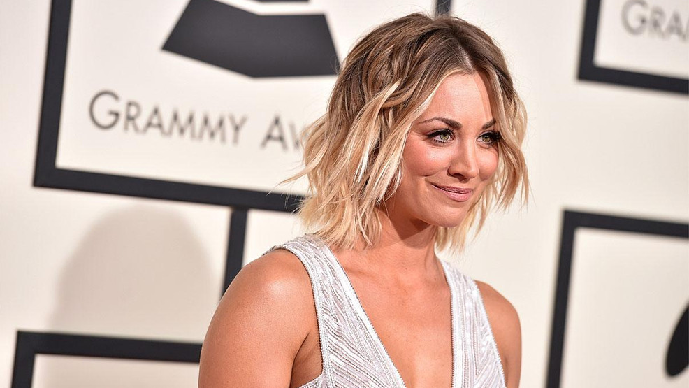 Kaley Cuoco takes to skies in 'The Flight Attendant'