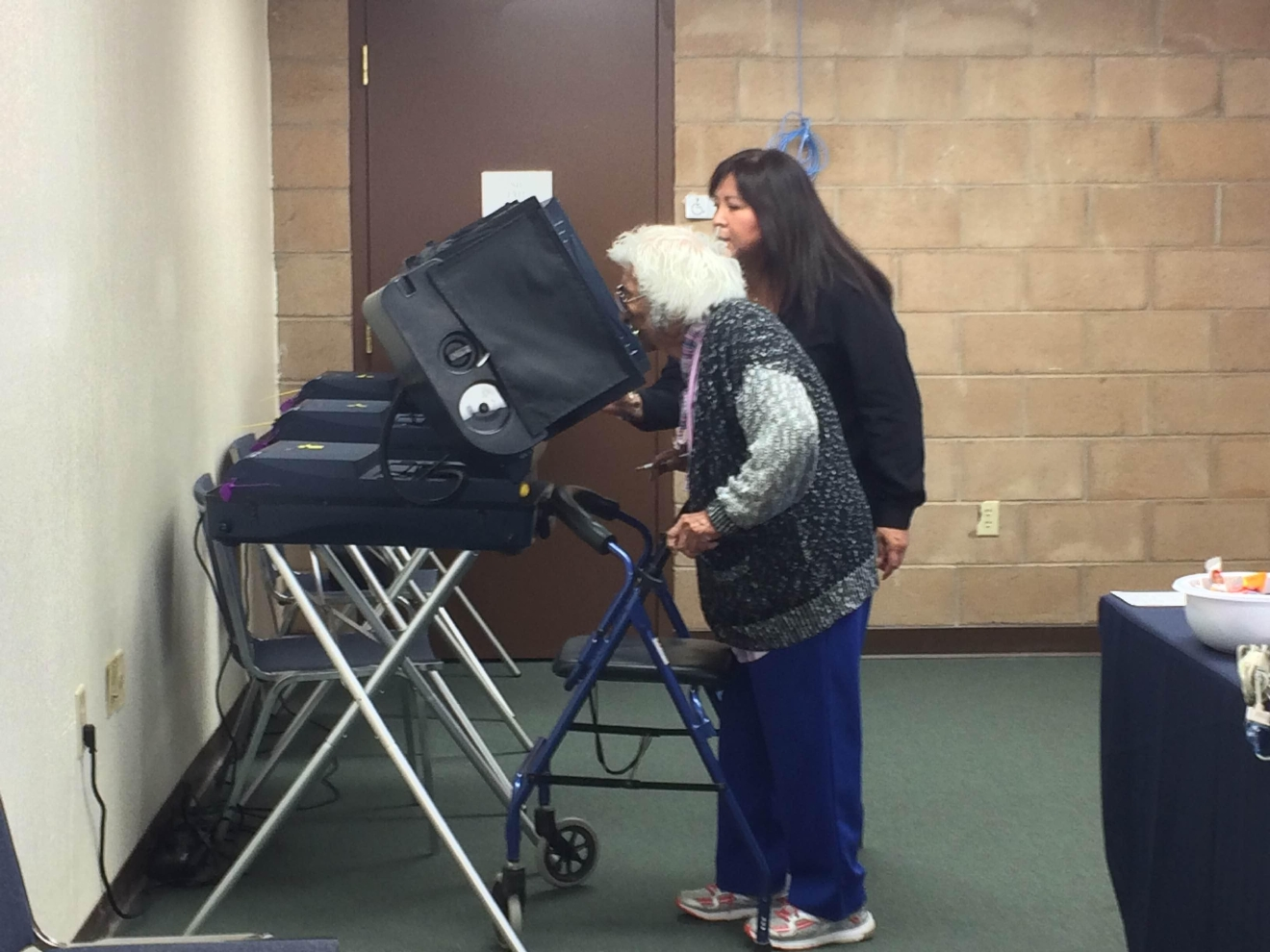 99-year-old Fora Green casts ballot.