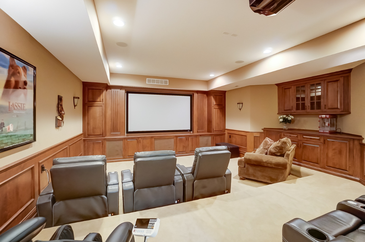 <p>The home offers a variety of unique spaces including an office, game room, home theater, finished basement, and massive closets. There's also an in-home hair salon with a beautician's chair and sink. / Image courtesy of Wow Video Tours via Michael Franz of Coldwell Banker West Shell-Hyde Park // Published: 9.7.20</p>
