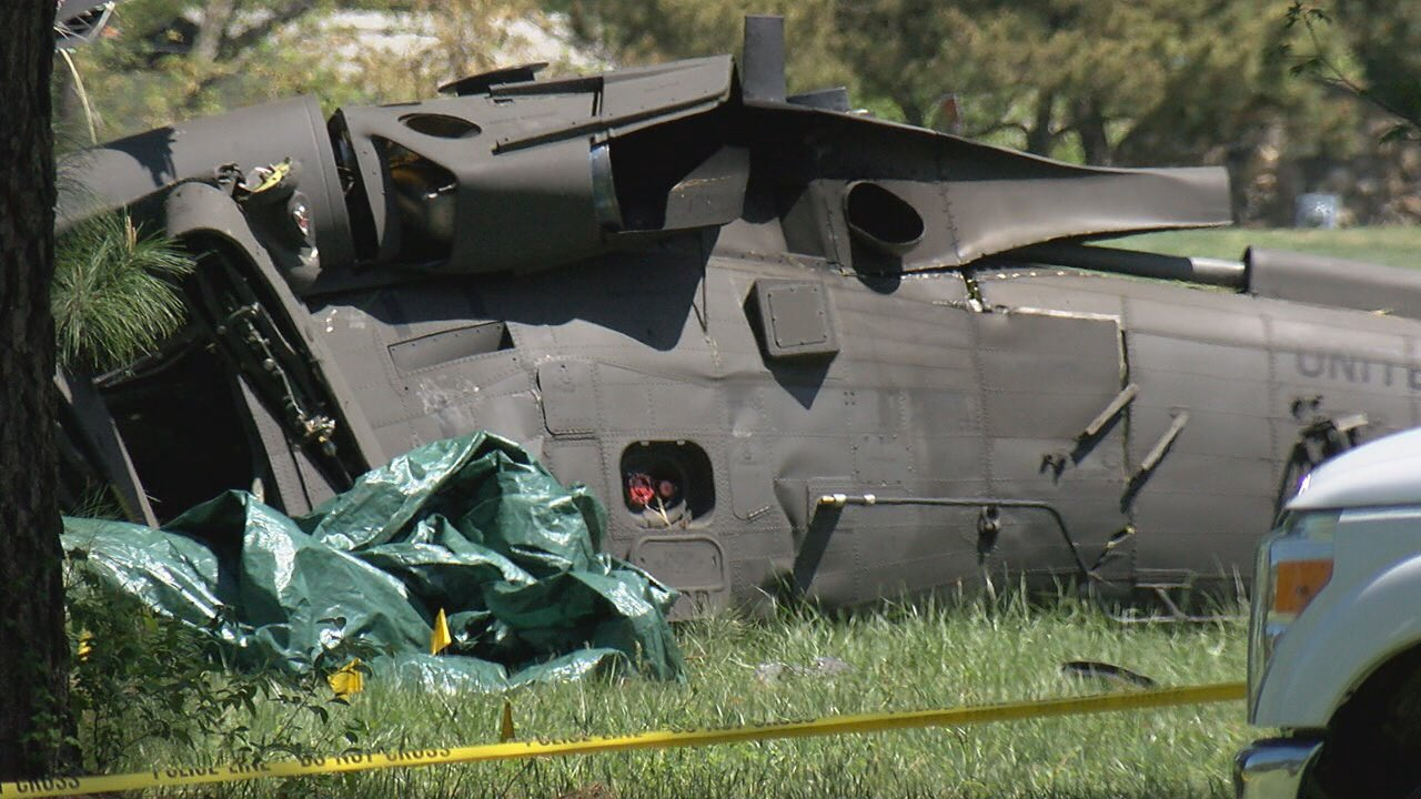 U.S. military investigates Black Hawk helicopter crash on golf course in St. Mary's County (Kevin Lewis/ABC7)