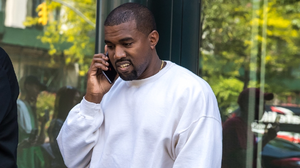 Kanye West duping fans with cheap t-shirts?