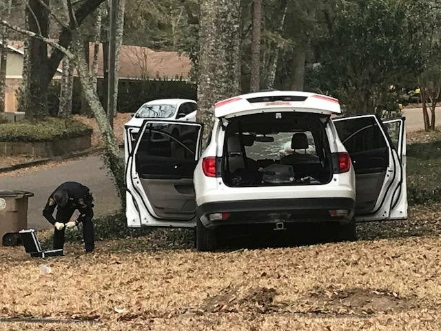 (image: WPMI) Mobile Police chase ends in crash, stolen guns recovered