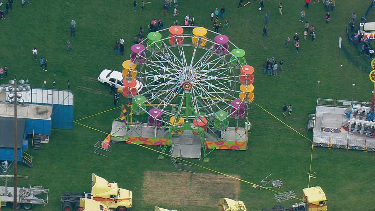 2 women, child injured after falling more than 15 feet from Ferris wheel in Port Townsend, Wash. Thursday,  May 19,2017.(KOMO)