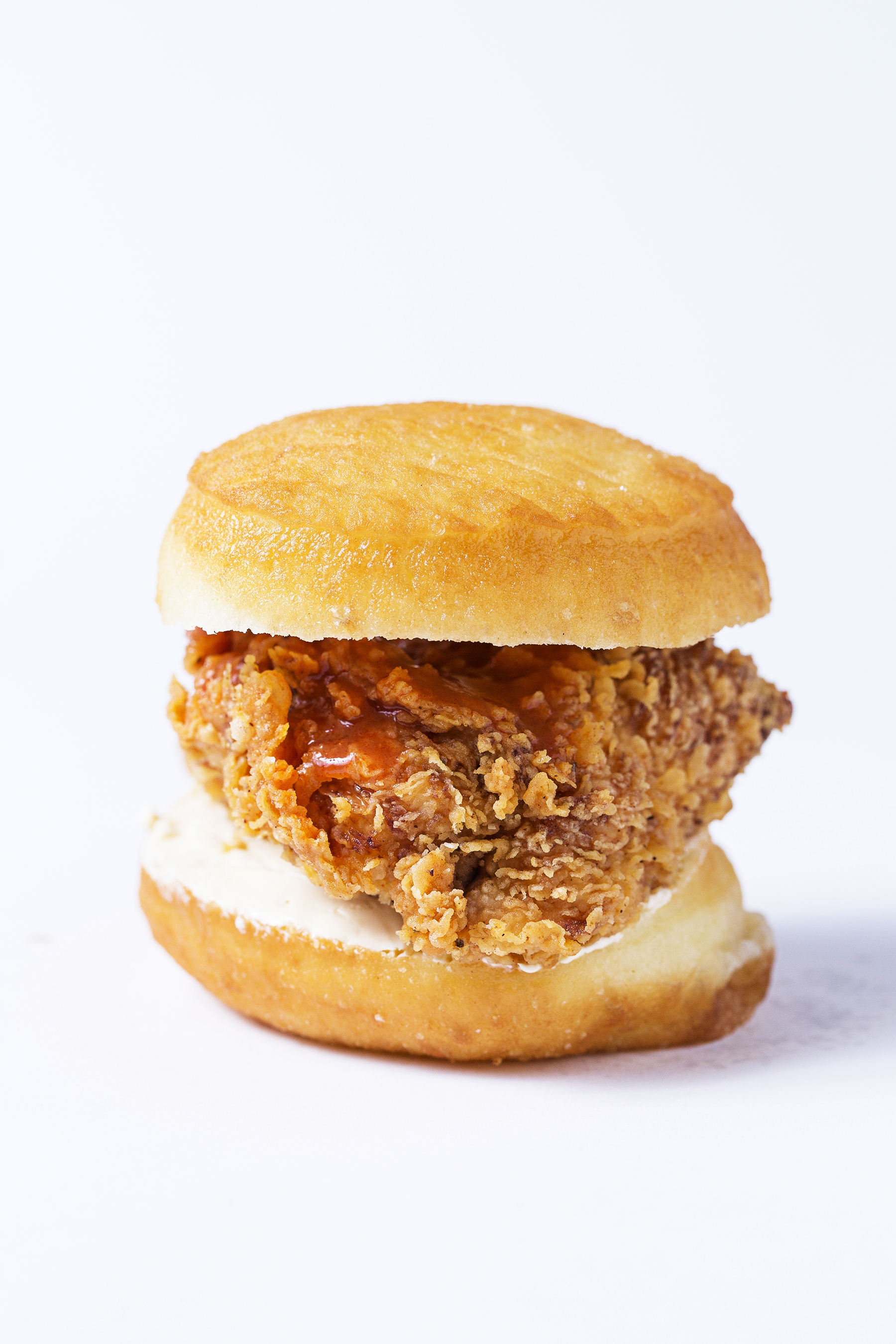 What the cluck! Diners peckish for fried chicken sandwiches have a clutch of blue ribbon options. These six will help you get your fowl fix. (Image: Scott Suchman)