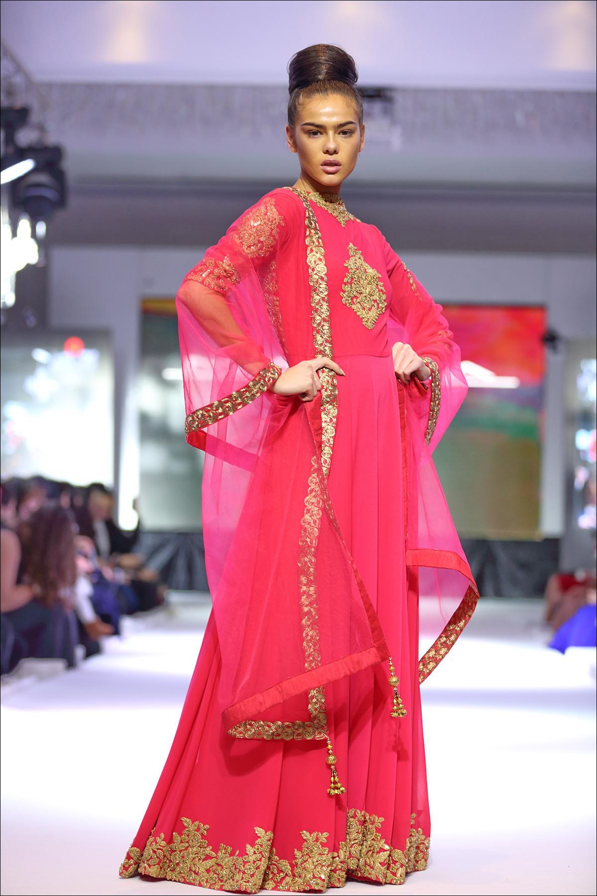 Dubai Fashion Week Ss11 El Deseo Sketchbook Magazine