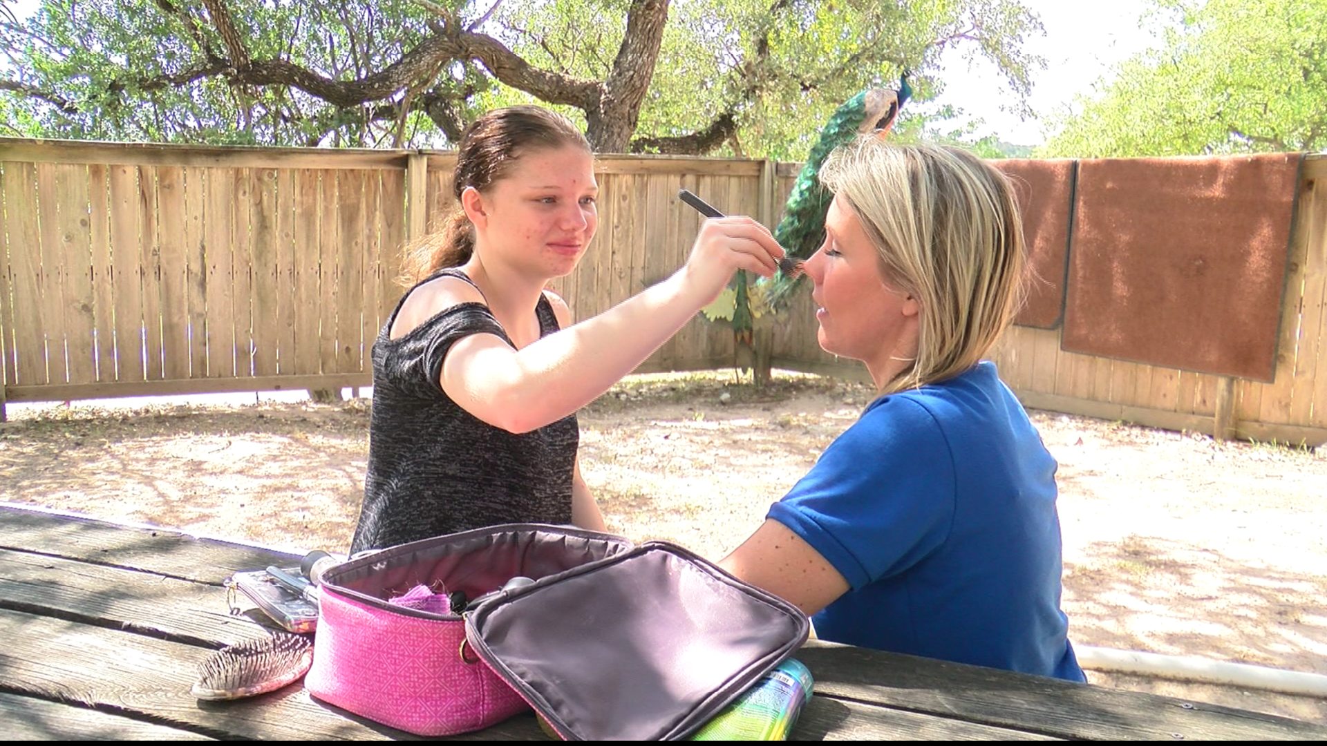 After checking out the animals at the Austin Zoo, Destinee grabbed her make up bag to give CBS Austin Reporter Lindsay Liepman a makeover. (CBS Austin)