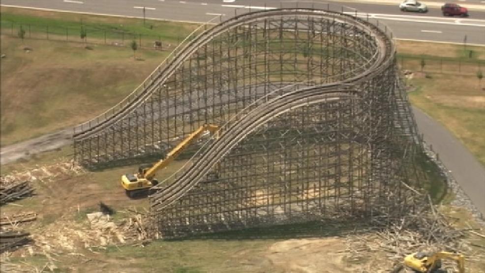 Roller Coaster Demolition : Popular thunder road roller coaster demolished at