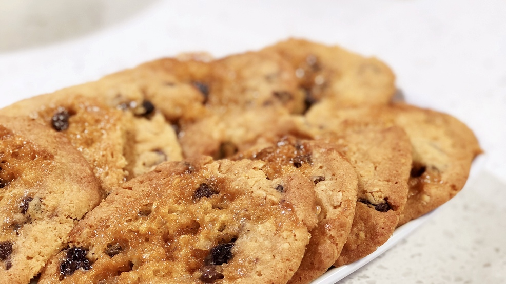 Cherry-Caramel-Oatmeal-Chocolate-Chip-Cookies.jpg