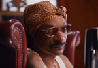 Snoop Dogg 'saves the planet' in new anti-plastic bottle holiday ad SODASTREAM (5).png