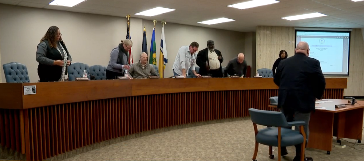 South Bend Common Council votes to keep the current leadership. // WSBT 22