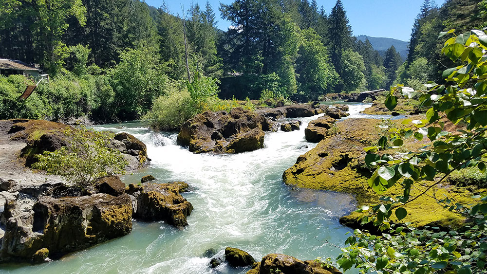 The Row River flows between rocky banks near Dorena, Oregon. (SBG)