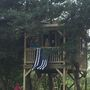 Officers finish tree house that fallen state trooper started for his daughter