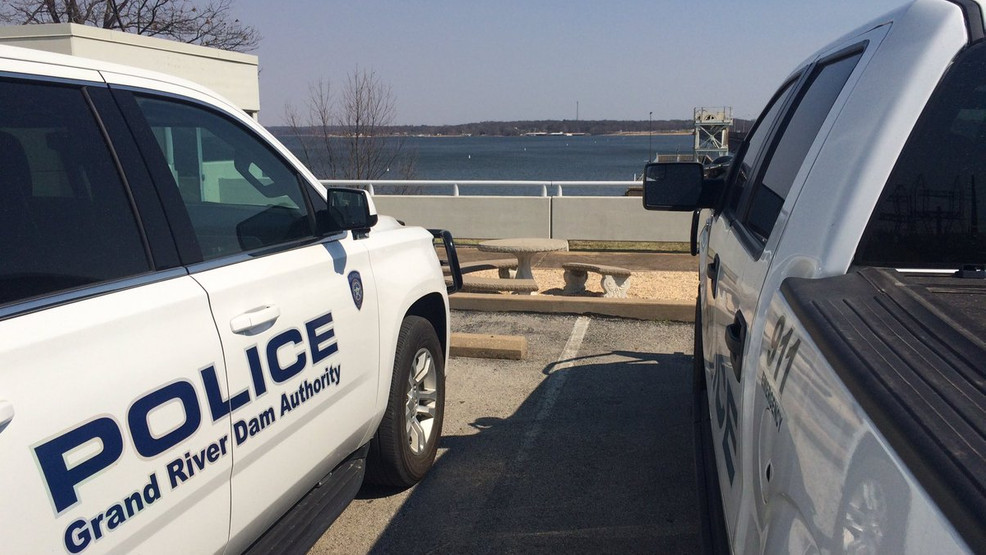 Grda Attempting Rescue Of Fisherman Trapped On Rocks Of