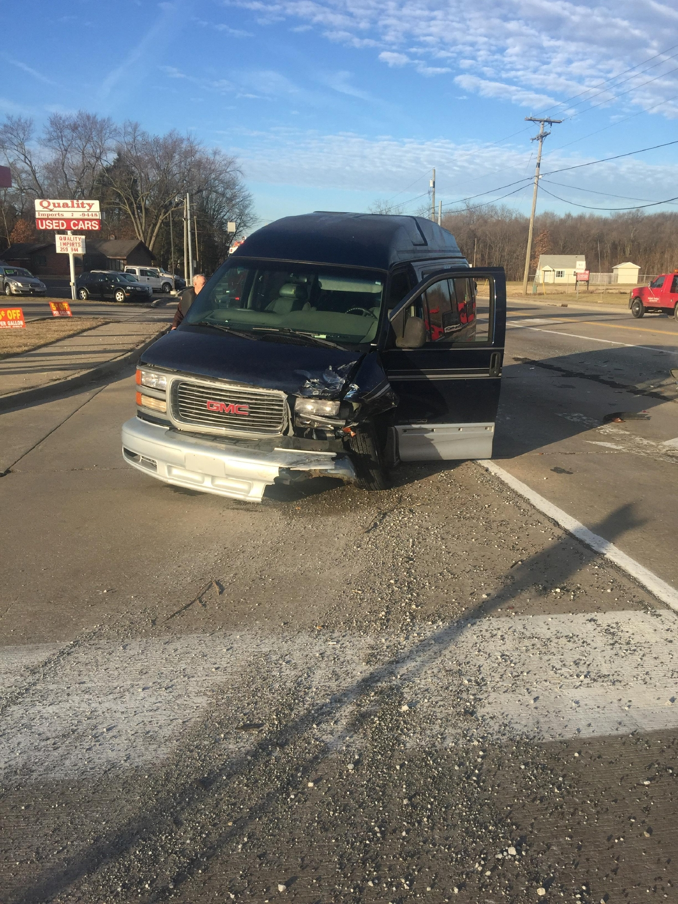 A crash shuts down a Mishawaka intersection. // WSBT 22 photo
