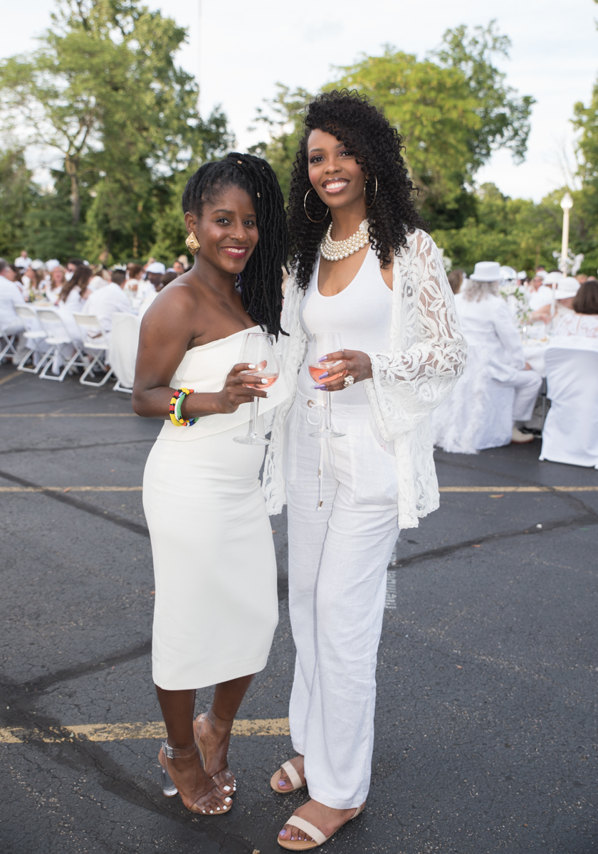 People: Megan Jones and Breanne Shaw /  Event: Diner en Blanc (6.24.17) / Image: Sherry Lachelle Photography